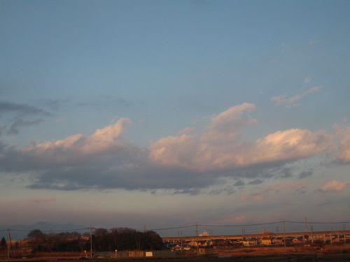 夕暮れ間近い雲